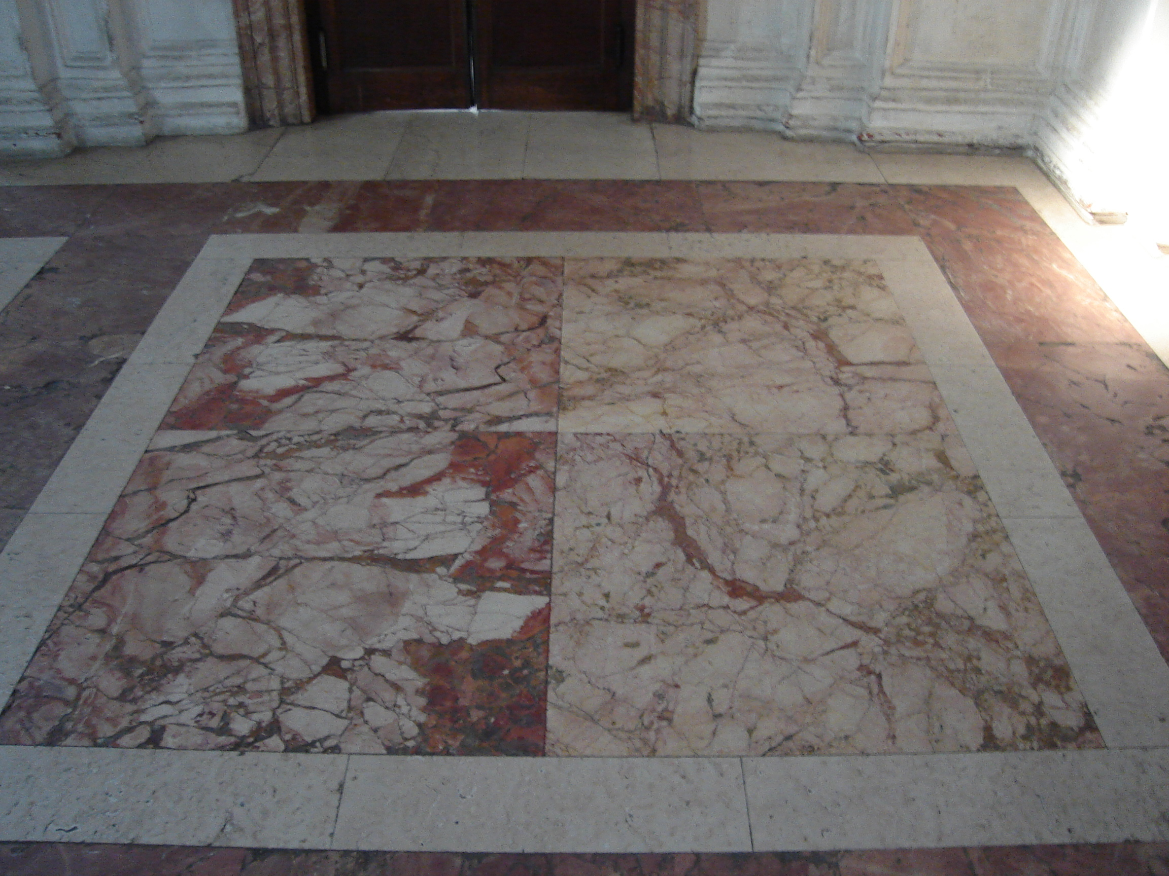 Business stone informazioni e notizie per la pietra naturale - Crepe nelle piastrelle del pavimento ...